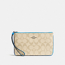 COACH F58695 Large Wristlet In Signature Canvas LIGHT KHAKI/BRIGHT BLUE/SILVER