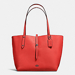COACH F58850 Market Tote In Printed Pebble Leather DARK GUNMETAL/DEEP CORAL