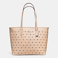CITY TOTE IN PERFORATED CROSSGRAIN LEATHER - f59345 - SILVER/BEECHWOOD