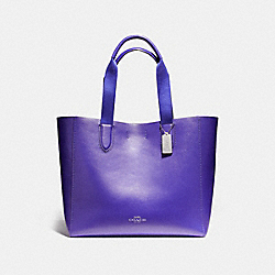 LARGE DERBY TOTE IN PEBBLE LEATHER WITH FLORAL PRINTED INTERIOR - f59392 - SILVER/PURPLE
