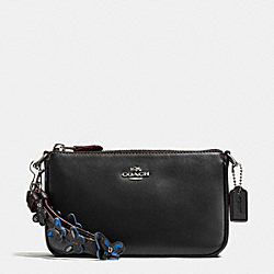 COACH F59525 - LARGE WRISTLET 19 IN PEBBLE LEATHER WITH STUDDED STRAP EMBELLISHMENT SILVER/BLACK