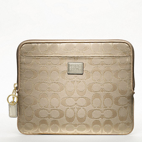 COACH F61366 POPPY SIGNATURE METALLIC UNIVERSAL SLEEVE ONE-COLOR