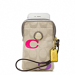 COACH F63062 Poppy Embroidered Signature N/s Universal Case