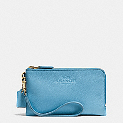COACH F64130 Double Corner Zip Wristlet In Pebble Leather IMITATION GOLD/BLUEJAY