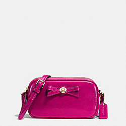 COACH F64655 Turnlock Bow Crossbody Pouch In Patent Leather IMITATION GOLD/CRANBERRY
