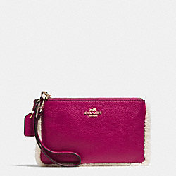 COACH F64709 Small Wristlet In Leather And Shearling IMITATION GOLD/CRANBERRY/NATURAL