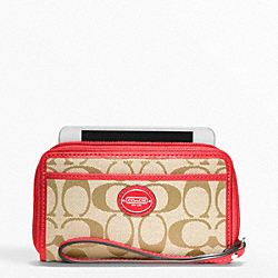 COACH F64997 Signature East/west Universal Case
