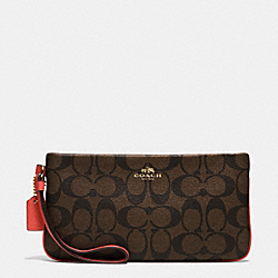 COACH F65748 Large Wristlet In Signature IMITATION GOLD/BROWN/CARMINE
