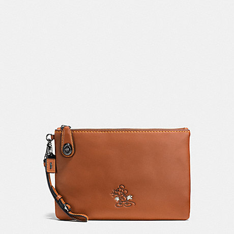 COACH F65792 MICKEY TURNLOCK WRISTLET IN GLOVETANNED LEATHER DK/1941-SADDLE
