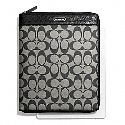 COACH PARK SIGNATURE PVC ZIP IPAD CASE - SILVER/BLACK/WHITE/BLACK - F66161