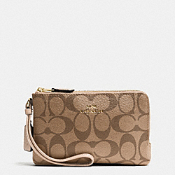COACH F66506 Double Corner Zip Wristlet In Signature IMITATION GOLD/KHAKI PLATINUM