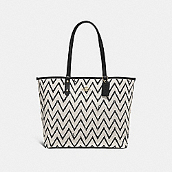 REVERSIBLE CITY TOTE WITH GEO CHEVRON PRINT - F66908 - BLACK/CHALK/BLACK/IMITATION GOLD