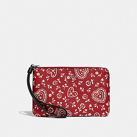 COACH F67514 CORNER ZIP WRISTLET WITH LACE HEART PRINT RED MULTI/SILVER