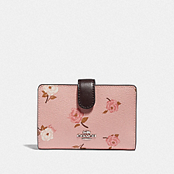 MEDIUM CORNER ZIP WALLET WITH TOSSED PEONY PRINT - F67530 - PETAL MULTI/SILVER