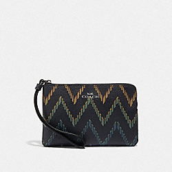 COACH F67553 Corner Zip Wristlet With Geo Chevron Print MIDNIGHT MULTI/SILVER
