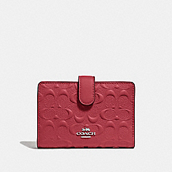 COACH F67565 - MEDIUM CORNER ZIP WALLET IN SIGNATURE LEATHER WASHED RED/SILVER