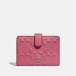 COACH F67565 Medium Corner Zip Wallet In Signature Leather STRAWBERRY/SILVER