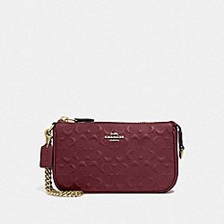 LARGE WRISTLET 19 IN SIGNATURE LEATHER - F67567 - WINE/IMITATION GOLD