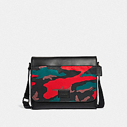 MESSENGER WITH CAMO PRINT - F67946 - RED MULTI/BLACK ANTIQUE NICKEL