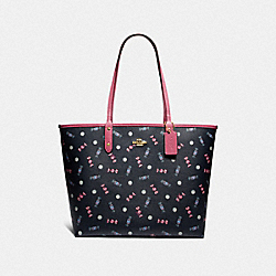 REVERSIBLE CITY TOTE WITH SCATTERED CANDY PRINT - F72722 - NAVY/MULTI/PINK RUBY/GOLD