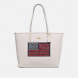 REVERSIBLE CITY TOTE WITH AMERICANA FLAG MOTIF - F72773 - GOLD/CHALK MULTI/DENIM