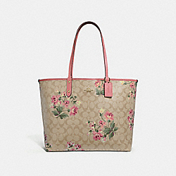 REVERSIBLE CITY TOTE IN SIGNATURE CANVAS WITH LILY PRINT - F72844 - LIGHT KHAKI MULTI/ROSE PETAL/IMITATION GOLD