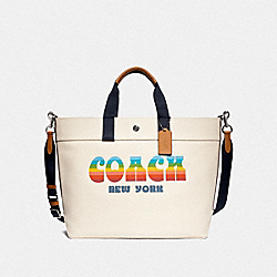 EXTRA LARGE TOTE WITH RAINBOW COACH ANIMATION - F72848 - CHALK/SILVER