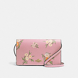 HAYDEN FOLDOVER CROSSBODY CLUTCH WITH TOSSED DAISY PRINT - F73018 - CARNATION/IMITATION GOLD