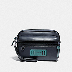 TERRAIN POUCH - F73253 - MIDNIGHT NAVY/BLACK ANTIQUE NICKEL