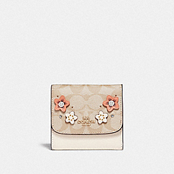 SMALL WALLET IN SIGNATURE CANVAS WITH FLORAL APPLIQUE - F73378 - LIGHT KHAKI MULTI/IMITATION GOLD