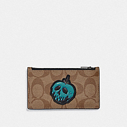 DISNEY X COACH ZIP CARD CASE IN SIGNATURE CANVAS WITH SNOW WHITE AND THE SEVEN DWARFS PATCH - F75803 - TAN