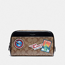 COACH F75915 - OVERNIGHT TRAVEL KIT IN SIGNATURE CANVAS WITH TRAVEL PATCHES KHAKI/MULTI