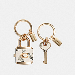 COACH F76451 Lock And Key Bag Charm Key Ring GD/CHALK