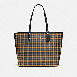REVERSIBLE CITY TOTE WITH GINGHAM PRINT - F76631 - NAVY YELLOW MULTI/MIDNIGHT/SILVER