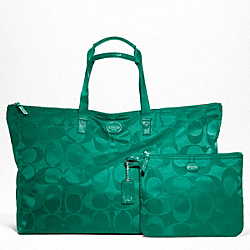 COACH F77316 - GETAWAY SIGNATURE NYLON LARGE PACKABLE WEEKENDER SILVER/BRIGHT JADE
