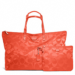 COACH F77316 - GETAWAY SIGNATURE NYLON LARGE PACKABLE WEEKENDER SILVER/HOT ORANGE