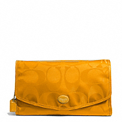 COACH F77392 - GETAWAY SIGNATURE NYLON COSMETIC KIT BRASS/ORANGE SPICE