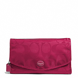 COACH F77392 Getaway Signature Nylon Cosmetic Kit SILVER/FUCHSIA