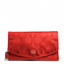 COACH F77392 Getaway Signature Nylon Cosmetic Kit SILVER/VERMILLION