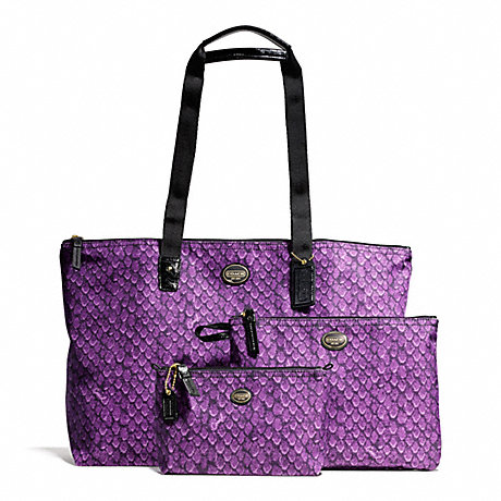 COACH f77483 GETAWAY BOXED SNAKE PRINT PACKABLE WEEKENDER WITH POUCH