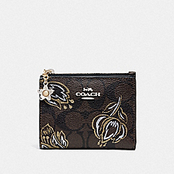 SNAP CARD CASE IN SIGNATURE CANVAS WITH TULIP PRINT - F78240 - SV/CHESTNUT METALLIC