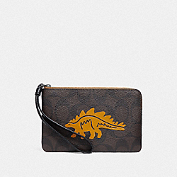 COACH F78667 - CORNER ZIP WRISTLET IN SIGNATURE CANVAS WITH DINOSAUR MOTIF QB/BROWN BLACK MULTI