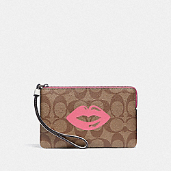 COACH F78671 Corner Zip Wristlet In Signature Canvas With Lips Motif QB/KHAKI MULTI