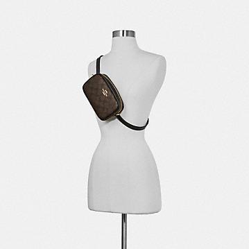コーチ公式アウトレット | コンバーチブル ベルト バッグ シグネチャー キャンバス | ミニバッグ/ボディバッグ/ベルトバッグ