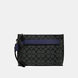 CARRYALL POUCH IN COLORBLOCK SIGNATURE CANVAS - F79877 - QB/CHARCOAL CADET