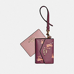 COACH F79924 Lanyard Set With Party Cat Print IM/DARK BERRY MULTI