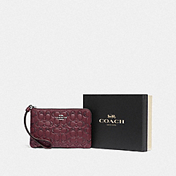 BOXED CORNER ZIP WRISTLET IN SIGNATURE LEATHER - F80214 - SV/WINE