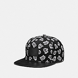 FLAT BRIM HAT IN COLORBLOCK LEATHER - f86475 - BLACK/WHITE FLORAL