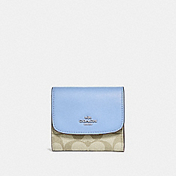 COACH F87589 Small Wallet In Signature Canvas LIGHT KHAKI/POOL/SILVER