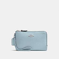 COACH F87590 Double Corner Zip Wristlet SV/PALE BLUE
